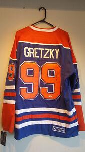 Authentic Autographed WAYNE GRETZKY #99 Edmonton Oilers Jersey Cambridge Kitchener Area image 1