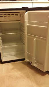 Small 3.1 Cubic Fridge with small freezer compartment