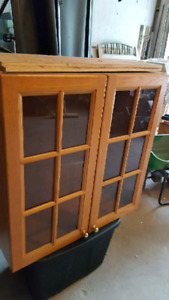 Nice glass cabinet .30 wide by 31 ht