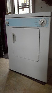 Appartment size washer dryer