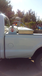 2008 ford xlt 3/4 tonne 250 with tool box and fuel pump heavy