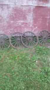 authentic wood wagon wheels. West Island Greater Montréal image 2