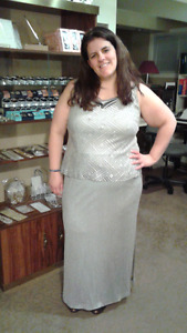 Elegant Long Silver Evening or Ball Gown Maxi Dress Size 18 (XL)