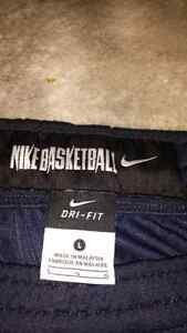 Nike Basketball Dri-Fit Sweatpants  (Large) Oakville / Halton Region Toronto (GTA) image 2