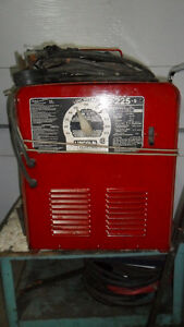 SOUDEUSE LINCOLN 225 AMP.