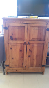 Mexican pine SERVER / PANTRY