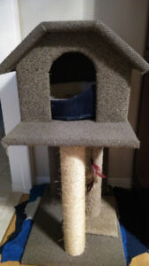 Cat House w/ Extras