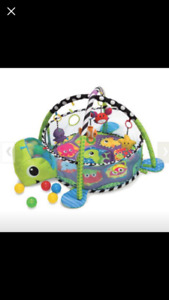 Baby gym and ball pit
