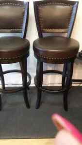 4 bar stool . swivel .