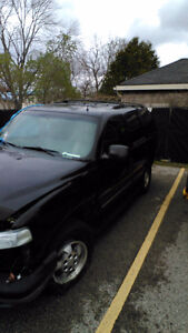 2002 Chevrolet Tahoe 4x4. 5.3 V8 after accident