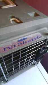 Pet shuttle cat carrier