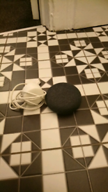 Google home mini in excellent condition works perfectly, original box