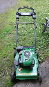 John deere JS35 self propelled lawnmower