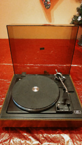Realistic/BSR Lab 100 Turntable/Record Player