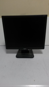 """ACER 17"""" LDC computer monitor with cables"""