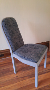 Vintage look occasional chair