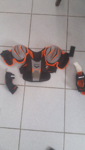 Bauer Hockey Youth Shoulder Pads/Elbow Pads