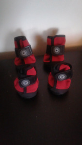 North Fetch doggy winter boots size large