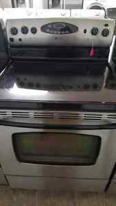 Maytag stove with self- cleaning