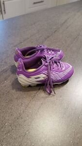 Girls soccer cleats (size 10 toddler)