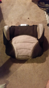 Booster seat for sale only 10$