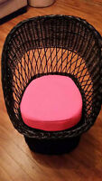 Rocking+Wicker chair with sitting pillow+stool+ 2 chalk boards