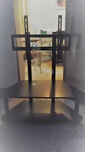 TV Stand with Bracket in Excellent cond fits up to a 42 inch or