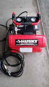 Husky Portable 3 Gallon Air Compressor Good Condition