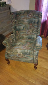 la-z-boy wing chair/ armchair/recliner/chaise bergere Cornwall Ontario image 1