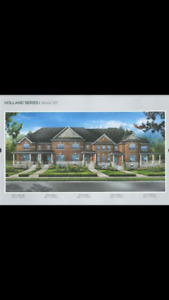 Welcome To Sharon Village! 3 Bedrooms in Newmarket area!