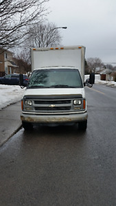 2001 Chevrolet 3500 cube diesel negociable