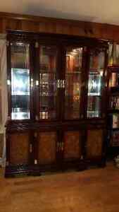 Spectacular large Oriental China Cabinet Buffet + Hutch West Island Greater Montréal image 2