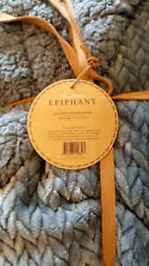 NEW Luxury Collection Epiphany Jacquard Berber Throw 50 x 60 in