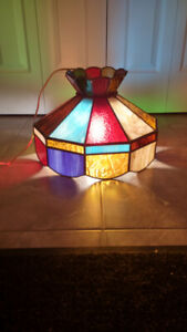 RETRO UNIQUE AND VIBRANT STAIN GLASS TIFFANY TYPE HANGING LAMP