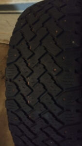 1 studded winter tire 195/65R15