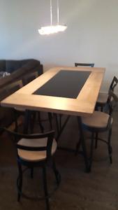 TABLE BISTRO AVEC 6 CHAISES