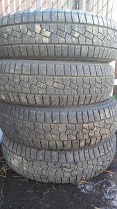 4 pneus 175/70R13 hiver bon état