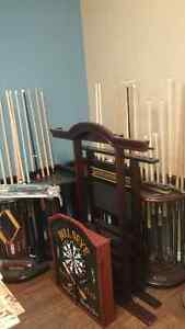 cues and cue corner tables