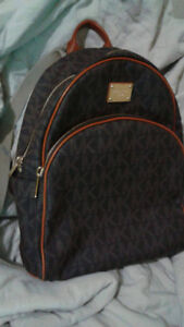 Authentic Michael Kors Backpack (Almost New)