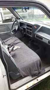 1988 Dodge Dakota Base Camionnette Gatineau Ottawa / Gatineau Area image 3