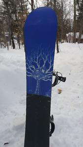 Planche a neige Endeavor 163cm fixation et botte 12 Snowboard