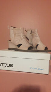 NEW   MJUS shoe/sandal