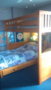 Double loft bed/single mates bed