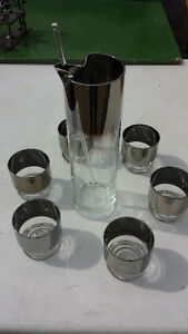 MARTINI AND DRINK SET, GLASS WITH SILVER PLATING.