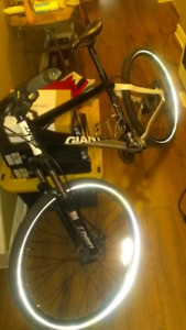 GIANT Road Bike Excellent condition