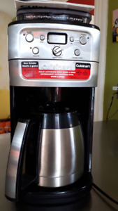 CUISINART Automatic coffee maker with burr grinder