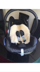 Gorgeous maxi cosy car seat only £30
