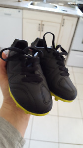 Kids Soccer Shoes size 10 NEW