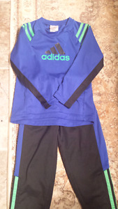 Boys Adidas 2 piece set size 3t. Used only once