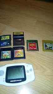 Ensemble GBA et gameboy color jeux et consoles (négociable)